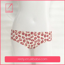 New Items Wholesale Women Sexy Mature Seamless Underwear in Allover Lips Prints