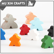 Customized colors and sizes wooden meeple character for board game