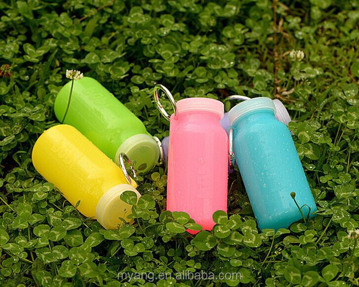 Soft silicone material sports water bottle / portable folding water bottle
