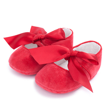 Soft style fur lining and butterfly decoration fabric sole baby shoes