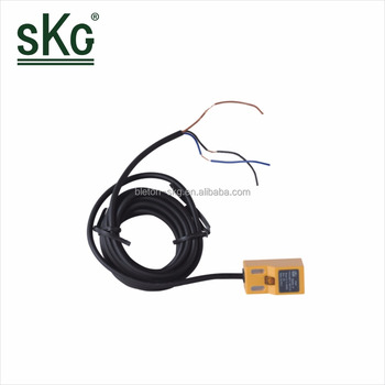 SN04-P DC10-30V 3-wire 18.3X36.3X17.7mm Signal 24 hour Proximity Inductive Indicator analog inductive proximity sensor switch