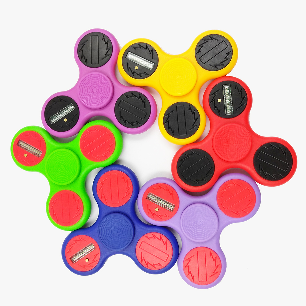 USA Crazy Paypal Accept LED Plastic Tri Fidget Spinner On Sale