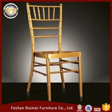China cheap sale Wholesale stackable gold banquet aluminum metal wedding chiavari chair for weddings