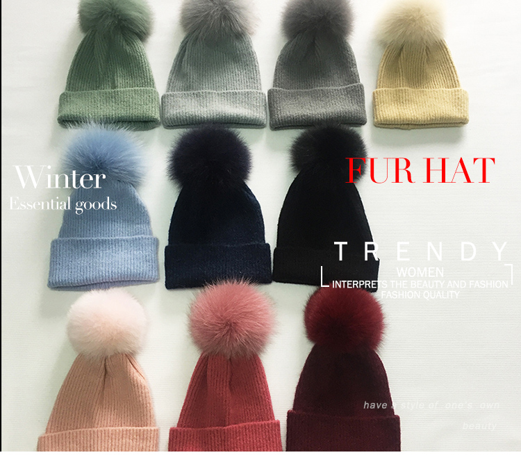 Luxury raccoon fur ball wool and acrylic knitted women's beanie hat