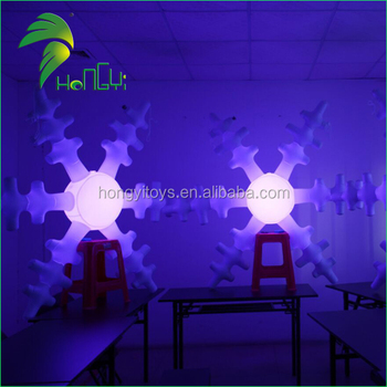 Outdoor Lighted White Snowflakes / Christmas Decorative LED Lighting Up Inflatable Snowflake