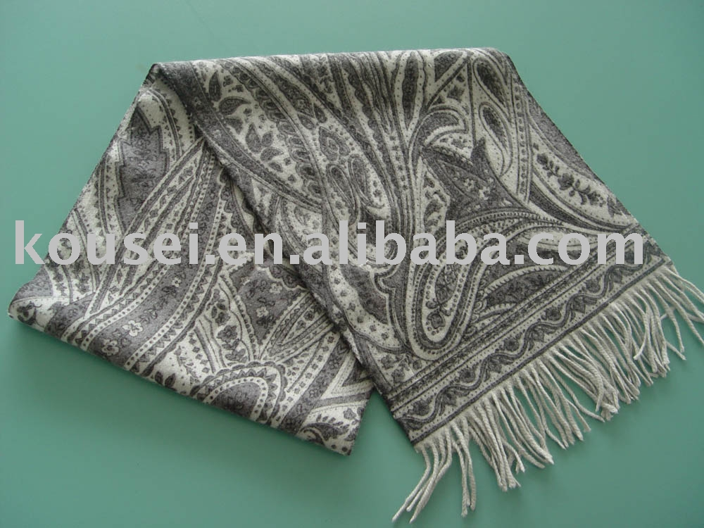 Two-sided printed wool scarf