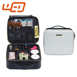 2017 Latest style professional large capacity waterproof support partitioned makeup train case cosmetic toiletry men bag