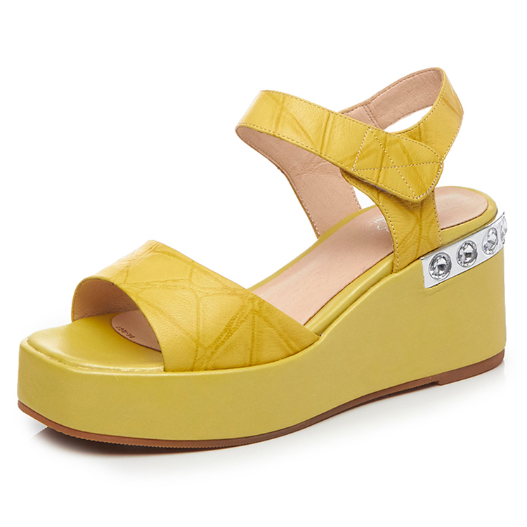 Light yellow fashion ladies flatform leather sandals shoes
