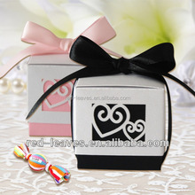 Heart shaped gift tin box jewelry tin box designed especially for lovers wedding biscuits paper box