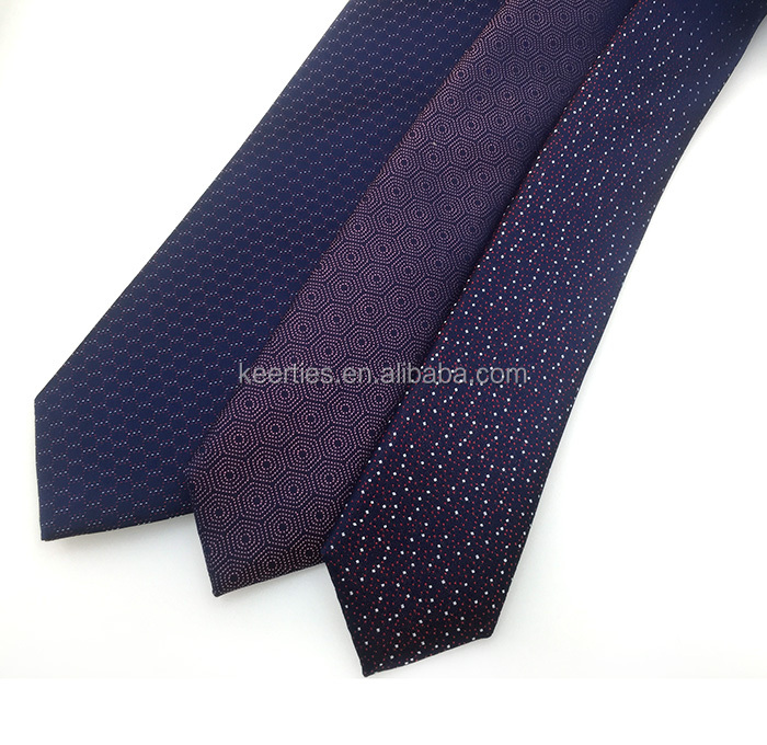 Pure Italian silk <strong>tie</strong> with paisley pattern