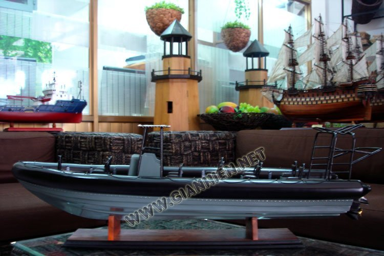 RIGID INFLATABLE WOODEN CRAFT BOAT - WOODEN DECORATION