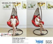 Foshan outdoor furniture factory hanging chair swing chair hanging pod chair.