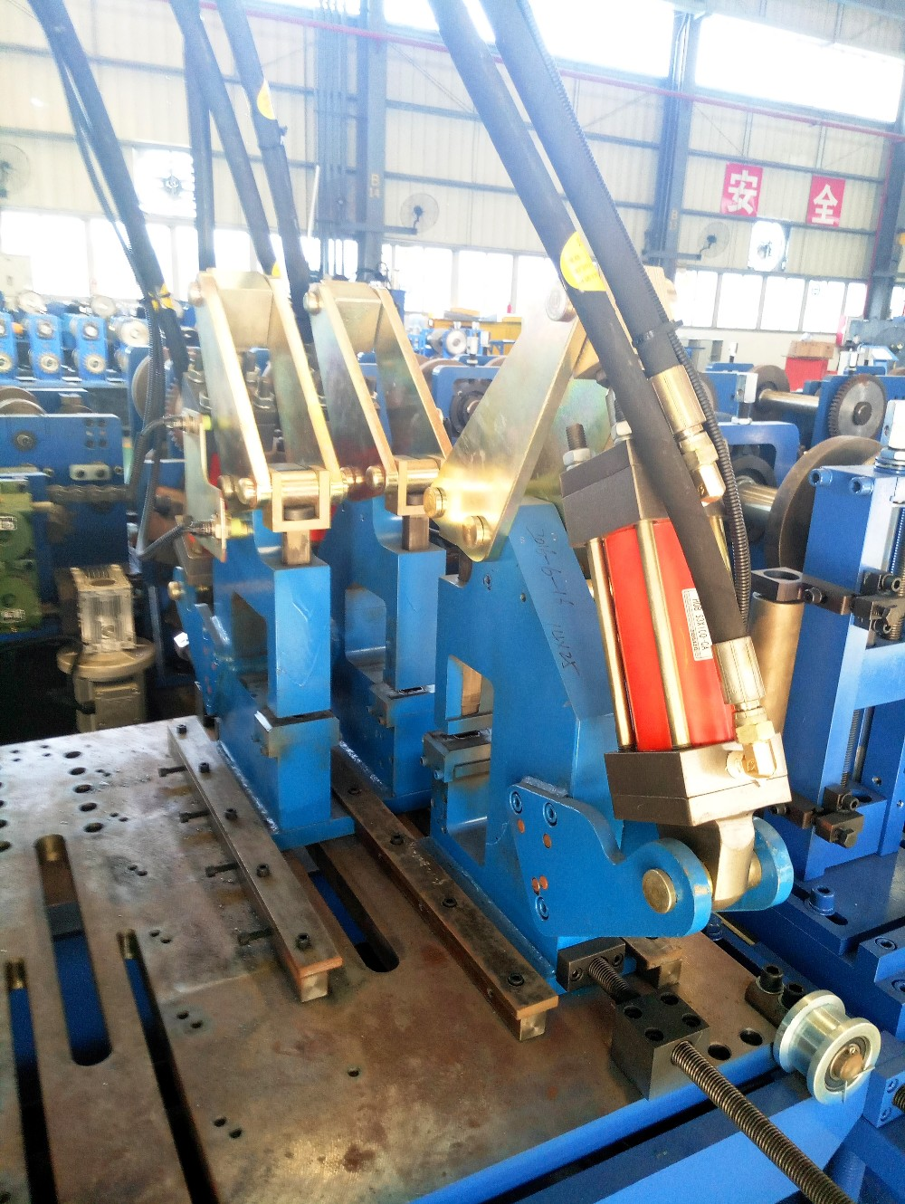 C Purlin Roll Forming Machine C And Z Purlin Roll Forming Machine C50-250