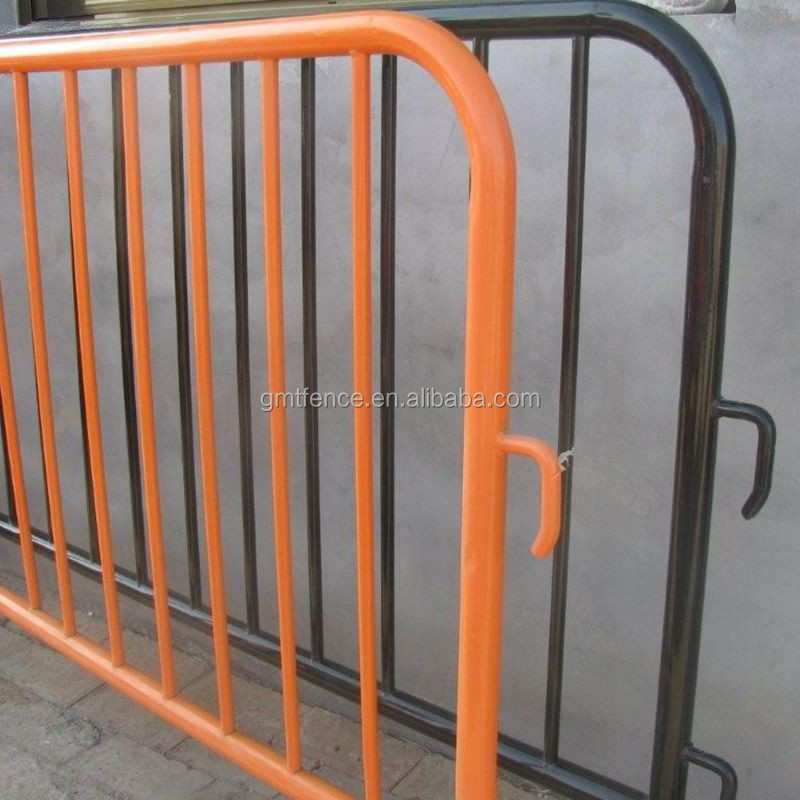 removable legs temporary crowd control barrier