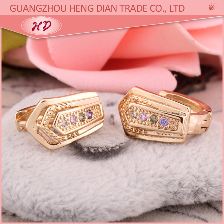 hot team girls pictures of gold earrings