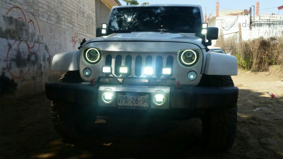 headlights jeep wrangler jk 7 inch round led headlights landrover 7. Cars Review. Best American Auto & Cars Review