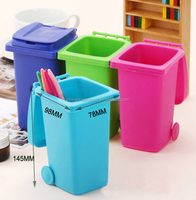 Plastic Mini desktop trash can/Novelty Plastic Trash Can/Dustbin desktop trash can