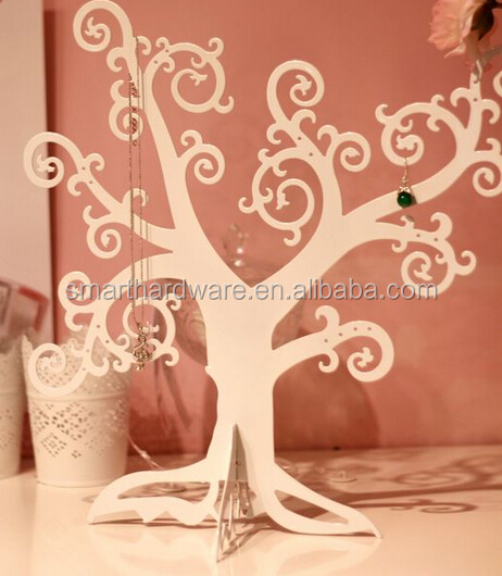 Elegant metal jewelry tree Decorative jewelry holder