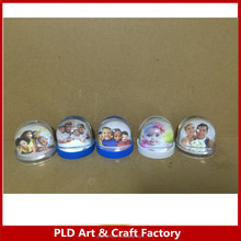 Plastic 80mm picture insert snow globe with picture insert