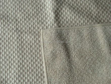 Microfiber Cleaning Cloth in Checkered Pattern