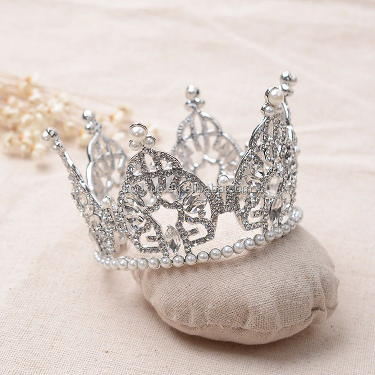 Full round crystal tiara