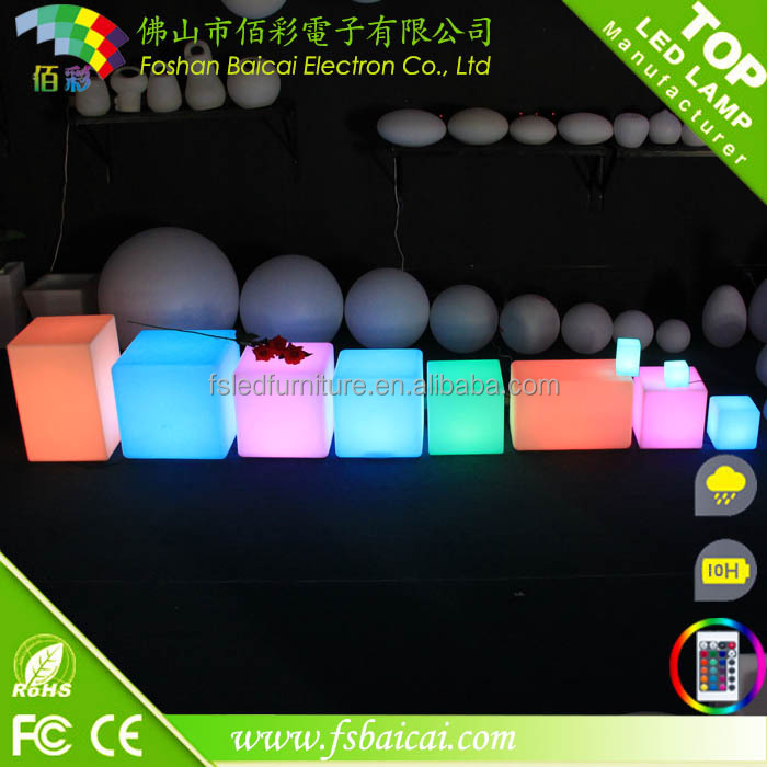Non-friable RGB rechargeable color change outdoor waterproof led cube