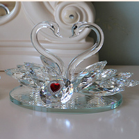 Beautiful crystal swan wedding gifts for guests