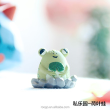 Roogo 2017 new customize garden supply 3d mini animal frog statue ornament