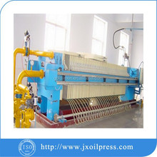 Dewaxing machine for the oil refinery line