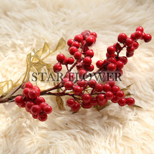 2017 Hot Sale SF2017260 Glitter Berries Flower Artificial Christmas Spray Pick (Red) with holly leaves