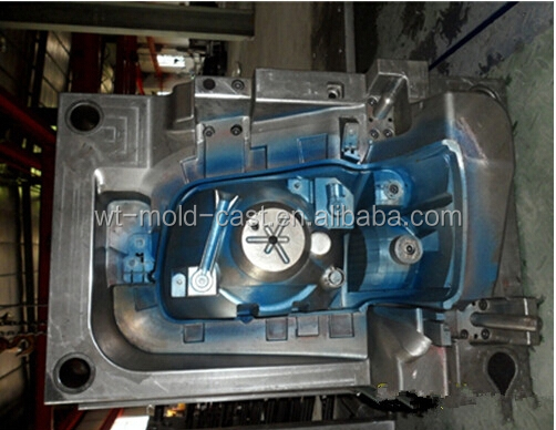 China plastic injection tooling for auto lamp shell parts supplier