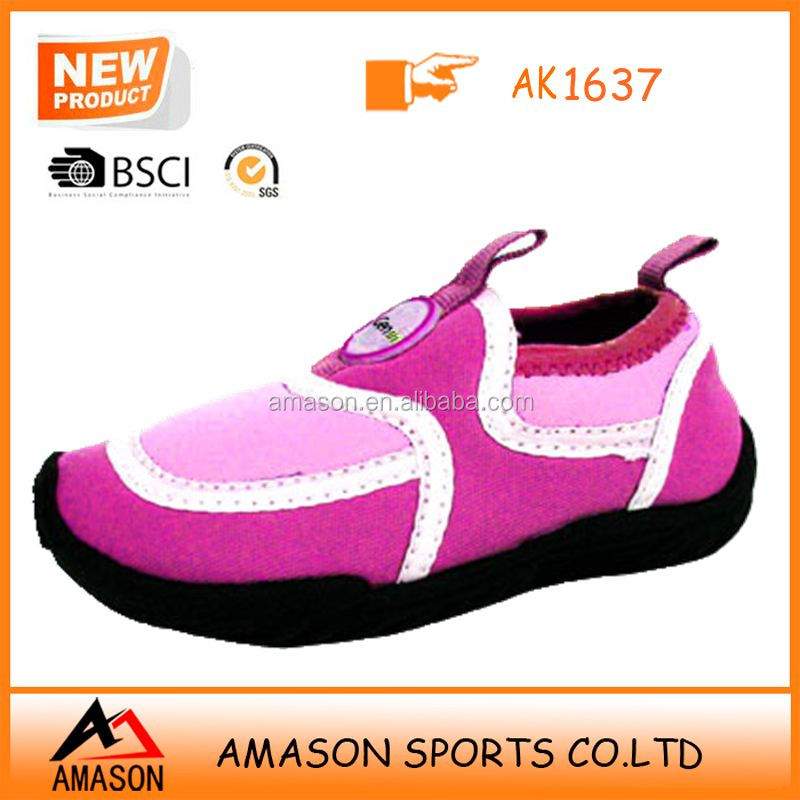 2017 new style lady aqua shoes wemen fashion comfort water shoes beach color aqua sock neoprene surfing shoes