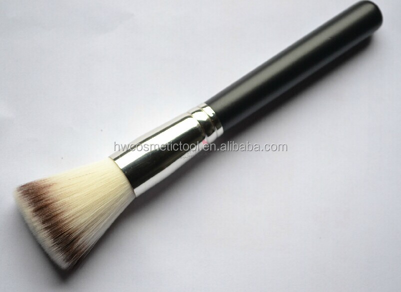 flat top blush brush