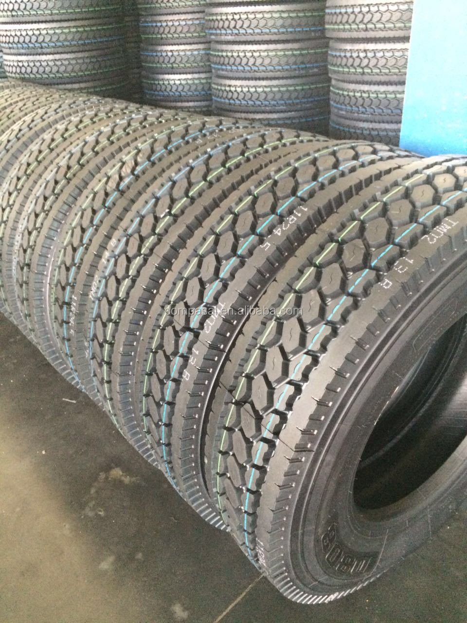 Hot sale COMPASAL truck and bus tire tubeless tire R24.5 radail truck tire TBR wholesale