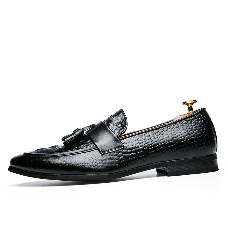 men winter italian fashion snake skin brogue leather oxford tassel slip on pointed toe shoes designer male formal cool footwear  (6)
