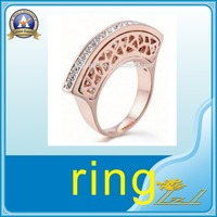 Delicate high quality craft metal titanium ring crystal stone ring