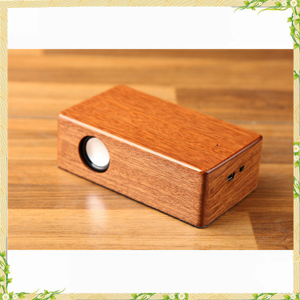 China manufacturer bamboo wood mini music car speaker without bluetooth