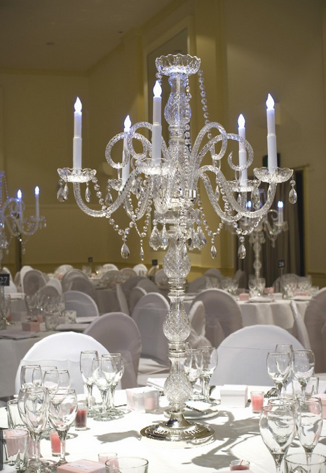 2015 new style fashion plastic candelabra for wedding table decorations