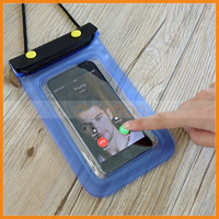 Touch Screen Responsive Soft PVC Two Button Lock Waterproof Phone Bag