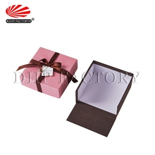 China Produce High End Gift Packing Engagement Sweet Paper Box