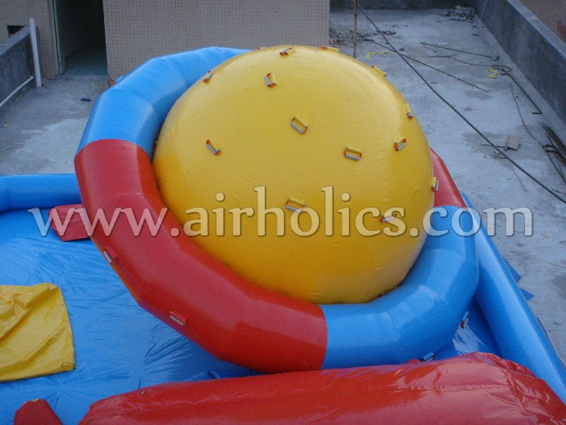 2018 inflatable saturn ball amusing rocker for water game W3056