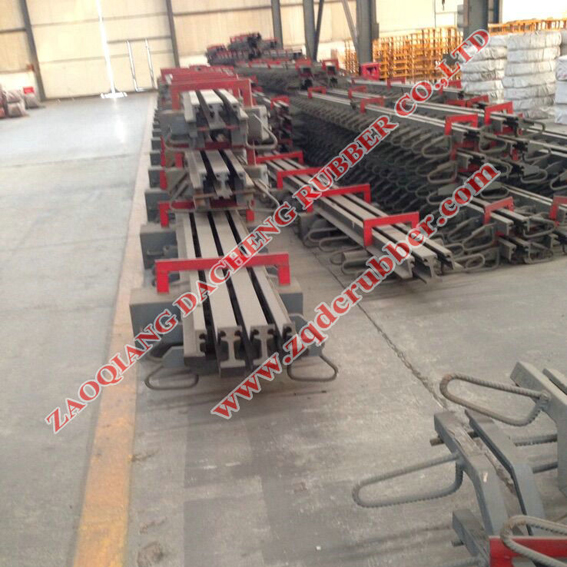 Steel Bridge Expansion Joint with large and small movement