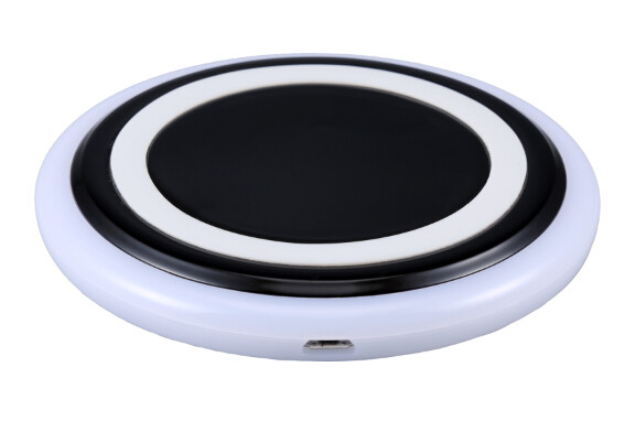 <strong>W003</strong> CE RoHS FCC Mini Smart Mobile Phone Universal Wireless Charger Bluetooth Wireless Charger for iphone
