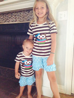 Hot sale twins cheap china wholesale clothing stripe owl pattern ruffle shorts girls outfits boutique kid wear baby clothing