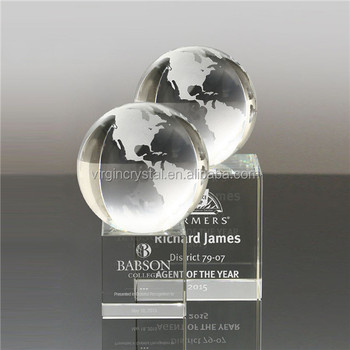 Fashion luxury crystal glass color world globe trophy with clear cube base for The Best Staff