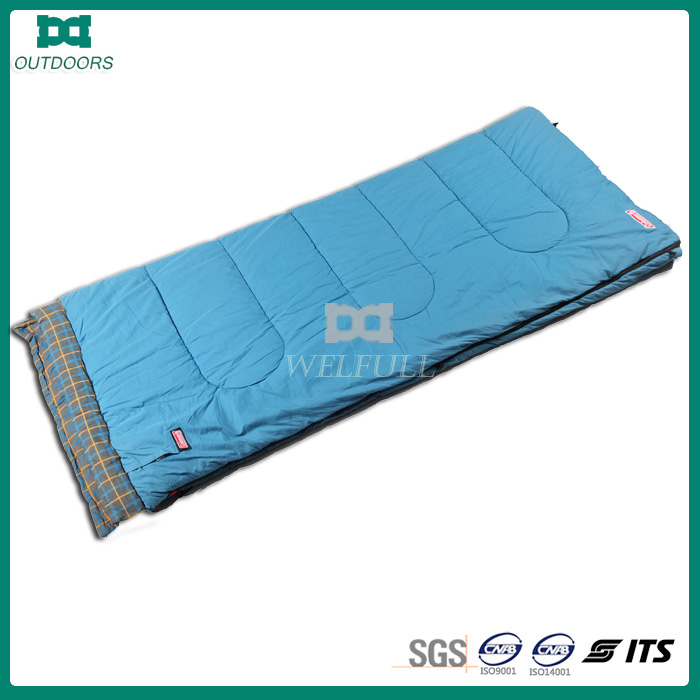 cheap hollow fiber envelope sleeping bags packs small for warm season