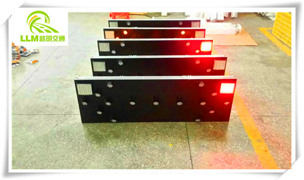 China factory solar powered LED construction working traffic warning light
