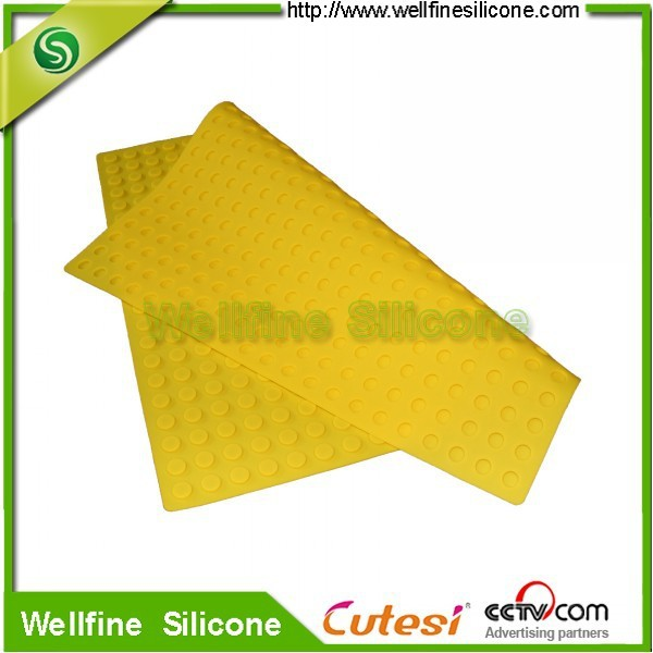 Washable silicone anti-slip bath mat for bathroom