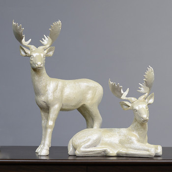 Wholesale home decorative resin deers Christmas Figurines