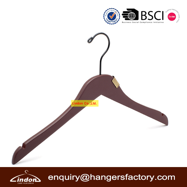 LINDON brand wooden clothes hanger factory alibaba china